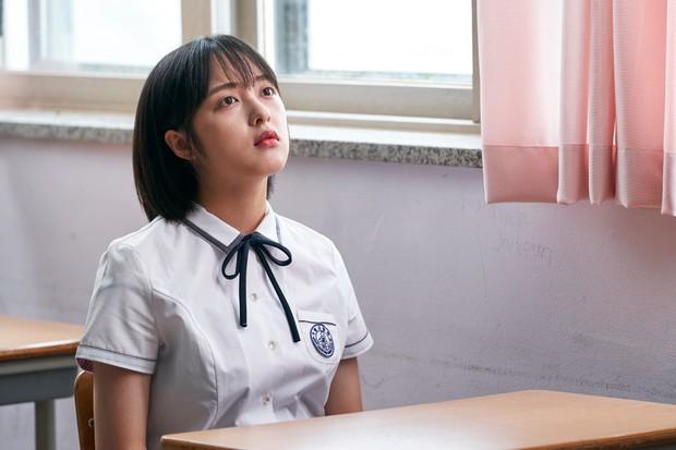 Kim Bo Ra (SKY Castle) lại đóng phim thanh xuân, netizen hỏi nhau tính đóng nữ sinh cả đời hả chị? - Ảnh 10.