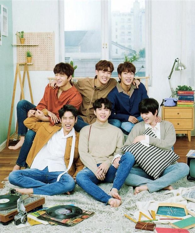 Sắp hết hạn hợp đồng, nhóm nam Kpop gen 2 đình đám đã có hành động ngầm quyết định đi hay ở? - Ảnh 1.