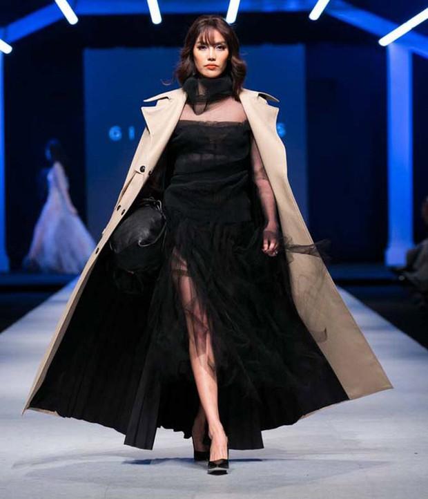 Hành trình nhan sắc và khối tài sản không phải dạng vừa của dàn Hoa hậu đình đám - Ảnh 11.