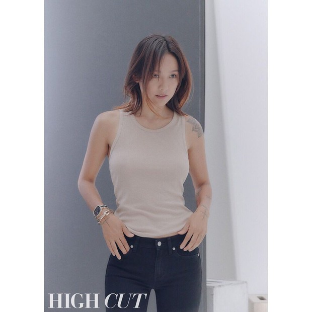 Nữ hoàng gợi cảm Lee Hyori comeback cực sexy trên bìa tạp chí, lại còn thả rông táo bạo đến mức này! - Ảnh 5.