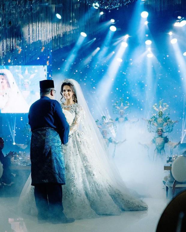 Người đẹp Nga ôm con lộ diện sau thông tin bị cựu vương Malaysia ly hôn, lần đầu tiết lộ nguyên nhân tan vỡ - Ảnh 2.