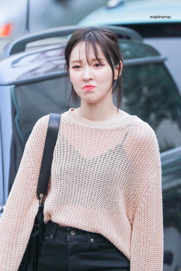 Idol Hàn khi tóc tai rối bời: Black Pink luôn xinh nhưng gây bất ngờ nhất lại là Irene - Ảnh 1.
