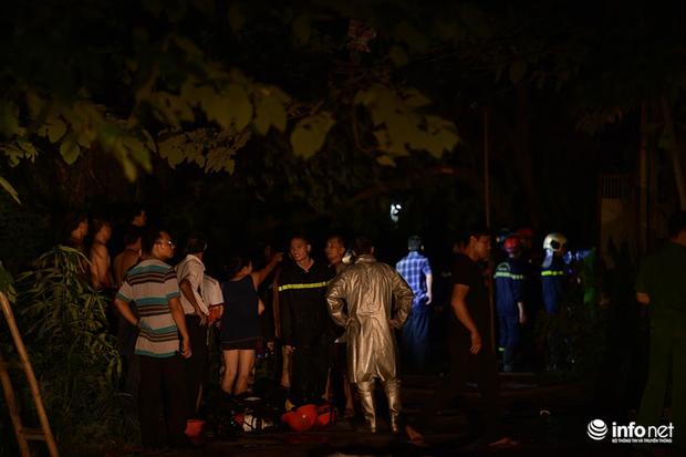 Hà Nội: Cháy xưởng nhựa trên phố Tân Mai, hai người may mắn chạy thoát - Ảnh 3.