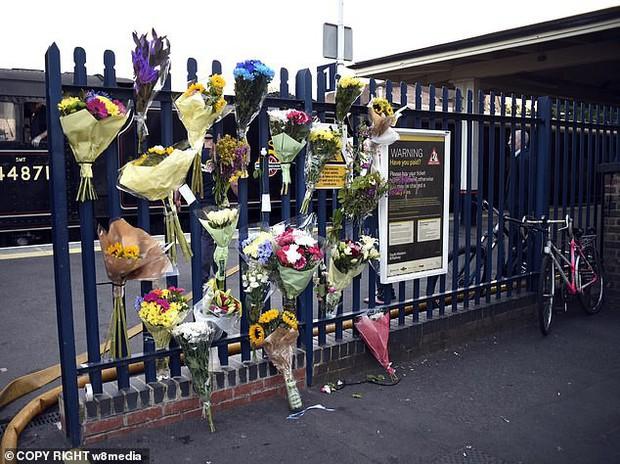Uất ức vì bị bắt nạt ở trường, bé trai lao vào đường ray tàu hỏa chết tức tưởi trước mặt 50 bạn học cùng lớp - Ảnh 5.