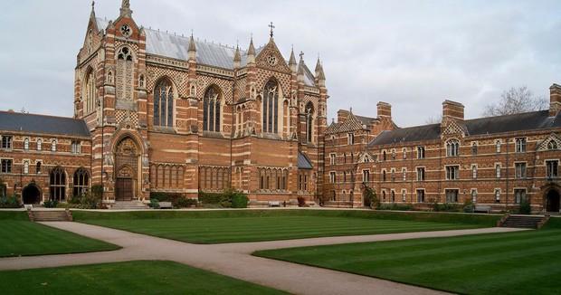 Top 10 trường Đại học danh tiếng nhất thế giới: ĐH Oxford tiếp tục dẫn đầu, ĐH Harvard trung thành với vị trí thứ 6 - Ảnh 1.
