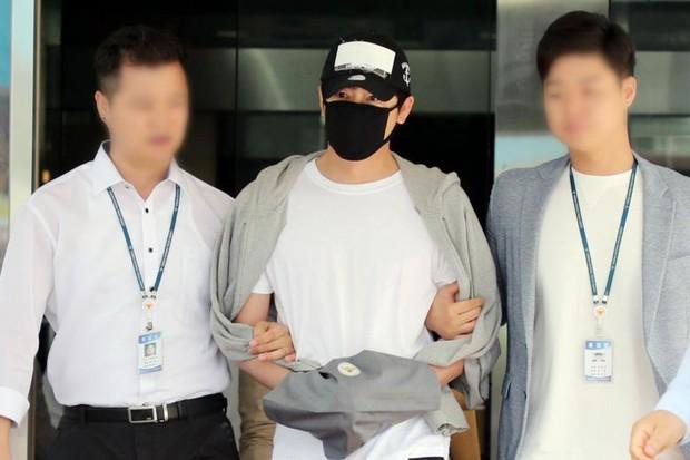 Biến căng: Tài tử Coffee House bị điều tra dùng ma túy vì... hát karaoke ngay sau khi hiếp dâm tập thể - Ảnh 1.