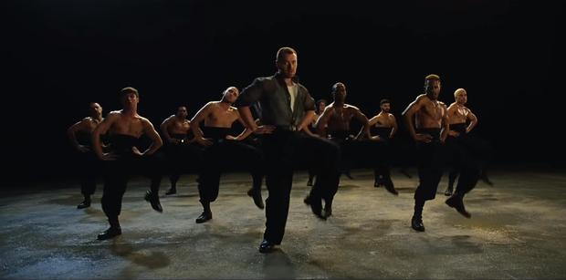 Công khai đồng tính từ lâu, Sam Smith vẫn gây shock khi bung lụa vũ đạo nhiệt tình trong MV mới! - Ảnh 2.