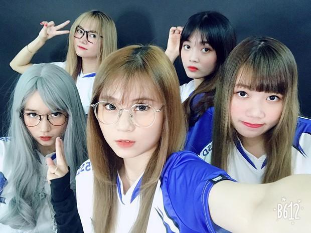 Ấn tượng với nhan sắc xinh đẹp của các cô gái RM5S Dark: Đội nữ duy nhất tham gia giải PUBG Firstblood Divine League - Ảnh 2.