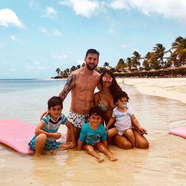 Tiết lộ về hòn đảo bí hiểm được Messi chọn cho kỳ nghỉ dài nhất năm: Biệt lập với thế giới, giá thuê phòng cực chát cho một đêm - Ảnh 1.