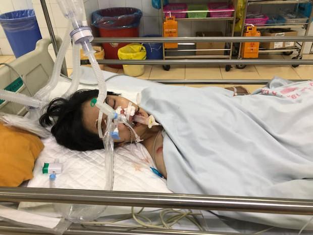 Hà Nội: Nữ sinh Đại học gặp tai nạn trên đường đi học về, mẹ cầu cứu cộng đồng mạng giúp đỡ - Ảnh 2.