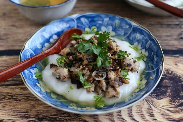 Tương truyền Việt Nam có món bánh thần thánh, ăn 1 lần 4 bát là... có chồng - Ảnh 2.
