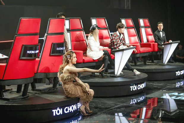 Hương Giang cầm vương miện tuyên bố: Hoa hậu mà còn hát hay chỉ có mình tôi ở Việt Nam - Ảnh 6.