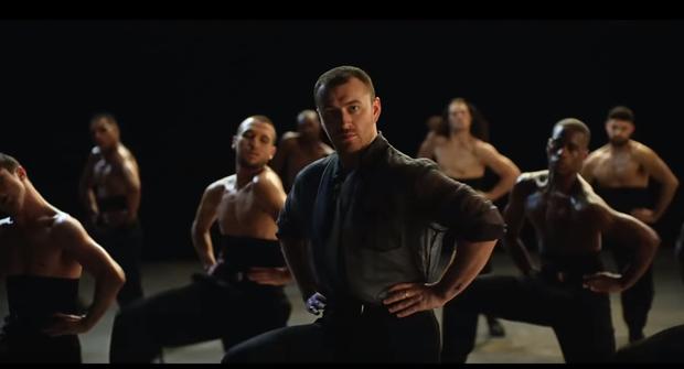 Công khai đồng tính từ lâu, Sam Smith vẫn gây shock khi bung lụa vũ đạo nhiệt tình trong MV mới! - Ảnh 3.