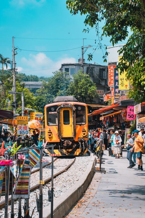 Nóng: Đài Loan chính thức siết chặt điều kiện miễn visa cho du khách Việt, đã khó nay càng khó hơn! - Ảnh 2.