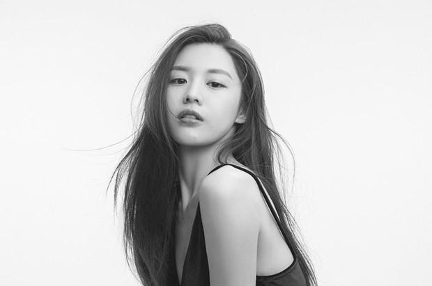 Chỉ một khoảnh khắc tỏ thái độ lồi lõm, gái xinh được so sánh với mợ chảnh Jeon Ji Hyun - Ảnh 6.