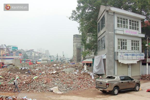 Chùm ảnh: Cận cảnh những căn nhà hình dáng siêu dị ở Hà Nội - Ảnh 10.