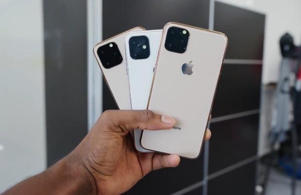 Đừng mua iPhone XI nếu bạn mắc chứng sợ lỗ, vì đây có thể là thiết kế được chọn bởi Apple - Ảnh 1.