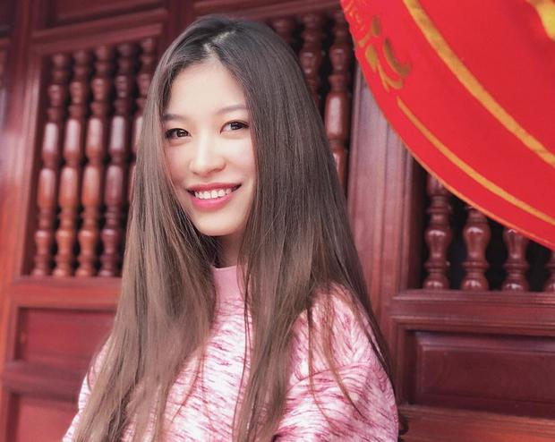 Vóc Đỗ - bạn gái hậu vệ CLB Hà Nội gây chiến với Văn Thanh: Nhận mình thuộc hàng top khi du học thạc sĩ ở Anh, sang chảnh như rich kid - Ảnh 11.