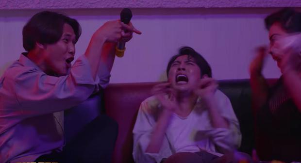 Buồn chồng, cô Mến Ghe Bẹo hồ đồ đi karaoke tay vịn giải sầu tới mức bị tổ bóng quật sùi bọt mép - Ảnh 7.