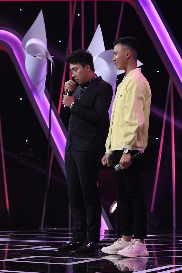 Người ấy là ai: Hương Giang khiến khán giả khó hiểu khi giơ bảng Xanh cho chàng trai LGBT - Ảnh 3.