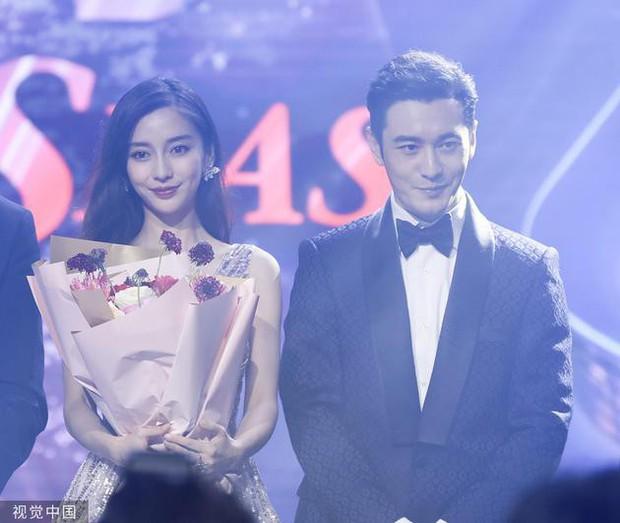 Nối gót Song Song và Băng - Thần, Angela Baby và Huỳnh Hiểu Minh chuẩn bị công khai tin ly hôn? - Ảnh 1.