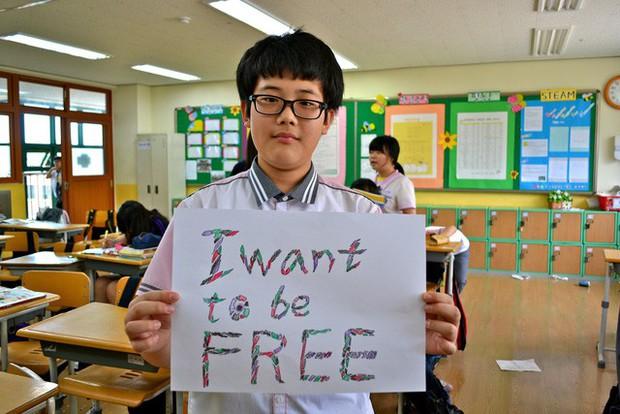 Từ bộ phim Ký sinh trùng đến đời thực ở Hàn Quốc: Văn hóa Học hoặc chết trong xã hội trọng bằng cấp - Ảnh 4.