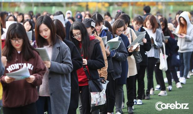Từ bộ phim Ký sinh trùng đến đời thực ở Hàn Quốc: Văn hóa Học hoặc chết trong xã hội trọng bằng cấp - Ảnh 2.