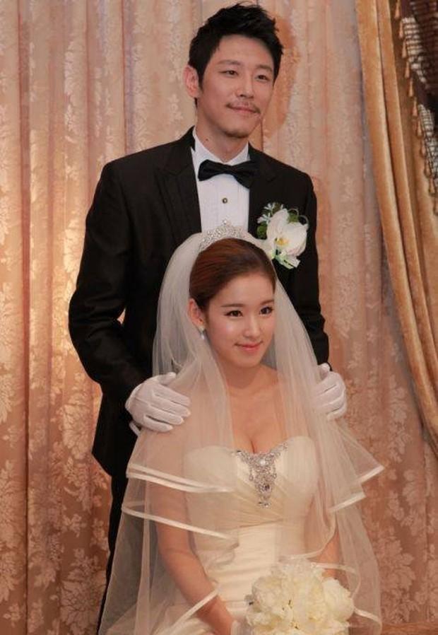 Mỹ nữ Hậu Duệ Mặt Trời Park Hwan Hee trước khi tố giác chồng cũ bạo hành: Sự nghiệp nữ phụ toàn phim hot - Ảnh 16.