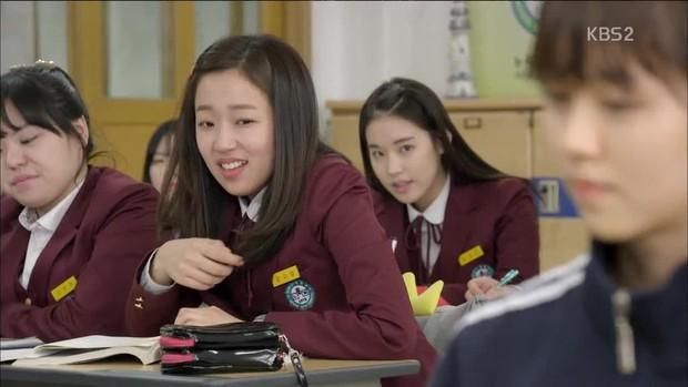 Mỹ nữ Hậu Duệ Mặt Trời Park Hwan Hee trước khi tố giác chồng cũ bạo hành: Sự nghiệp nữ phụ toàn phim hot - Ảnh 12.
