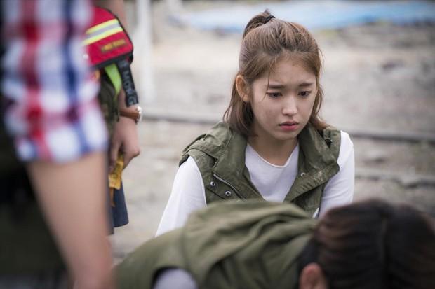 Mỹ nữ Hậu Duệ Mặt Trời Park Hwan Hee trước khi tố giác chồng cũ bạo hành: Sự nghiệp nữ phụ toàn phim hot - Ảnh 15.
