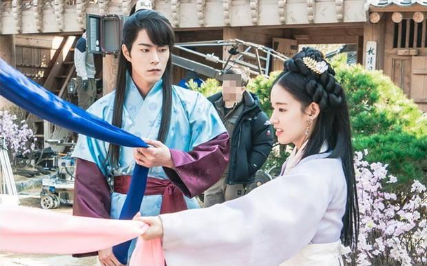 Mỹ nữ Hậu Duệ Mặt Trời Park Hwan Hee trước khi tố giác chồng cũ bạo hành: Sự nghiệp nữ phụ toàn phim hot - Ảnh 5.