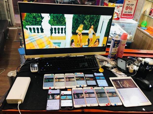 Vẫn là đẳng cấp fan Sơn Tùng: Lôi hết điện thoại máy tính ra cày view cho sếp bất chấp ngày đêm - Ảnh 2.