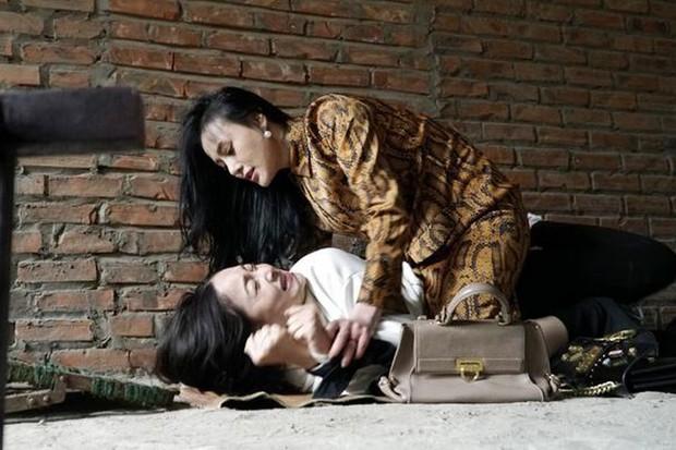 4 nước Châu Á cùng hùa làm phim về người thứ ba: Nàng Dâu Order cũng chưa ức chế bằng tiểu tam cuối cùng - Ảnh 4.