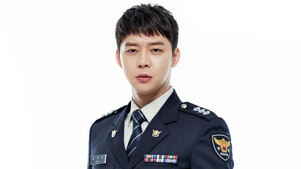 Từng đóng vai cảnh sát cool ngầu, tréo ngoe thay Park Yoochun lại bị tuyên án tù treo rồi? - Ảnh 2.