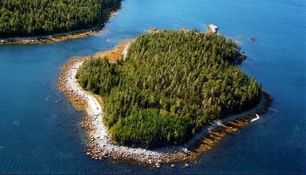 7 hòn đảo được bán với giá rẻ như cho mà cuối cùng vẫn chẳng ai thèm mua - Ảnh 2.