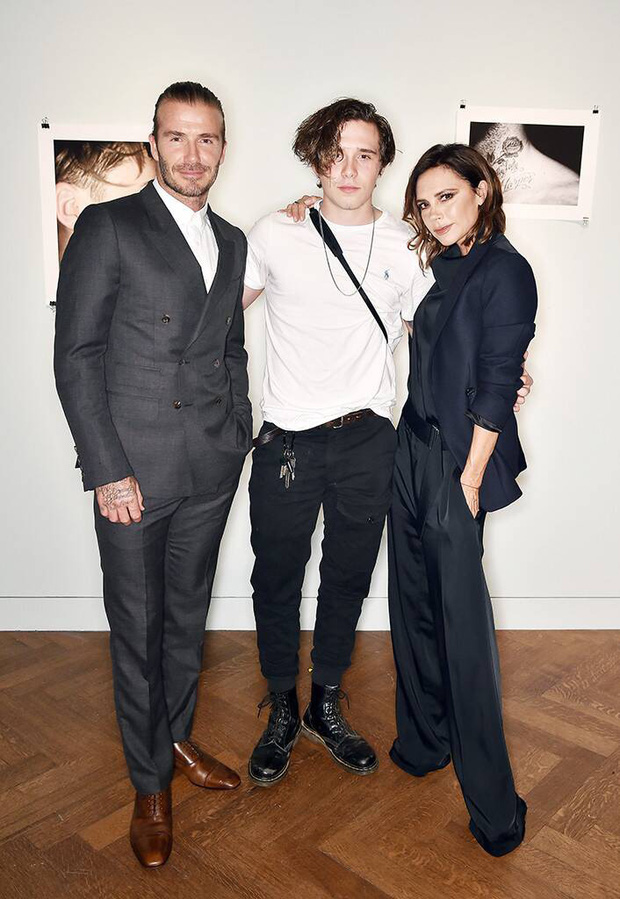 Điều vợ chồng David Beckham lo sợ nhất cũng đã đến: Hana Cross mang thai đứa con của Brooklyn? - Ảnh 1.