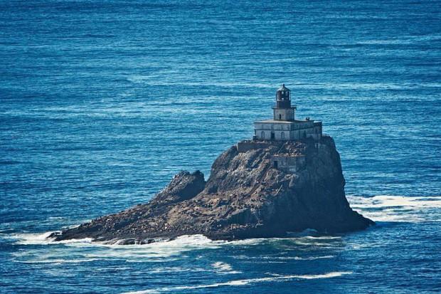 7 hòn đảo được bán với giá rẻ như cho mà cuối cùng vẫn chẳng ai thèm mua - Ảnh 3.
