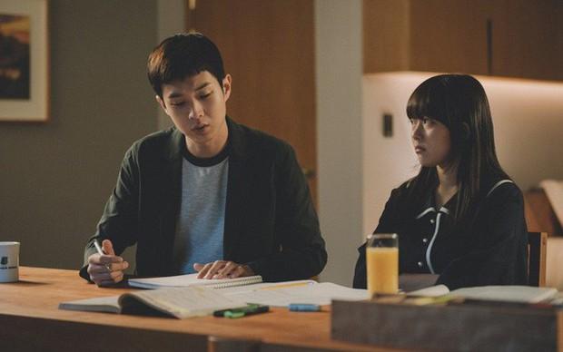 Từ bộ phim Ký sinh trùng đến đời thực ở Hàn Quốc: Văn hóa Học hoặc chết trong xã hội trọng bằng cấp - Ảnh 1.