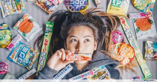 Đẳng cấp như gái Nhật: từ chối khéo cánh mày râu chỉ bằng vài món snack - Ảnh 4.