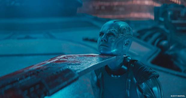 Đoạn kết ENDGAME lẽ ra còn điếng người hơn: Thanos đồ sát cả đội Avengers, tha đầu Captain America làm chiến lợi phẩm? - Ảnh 9.