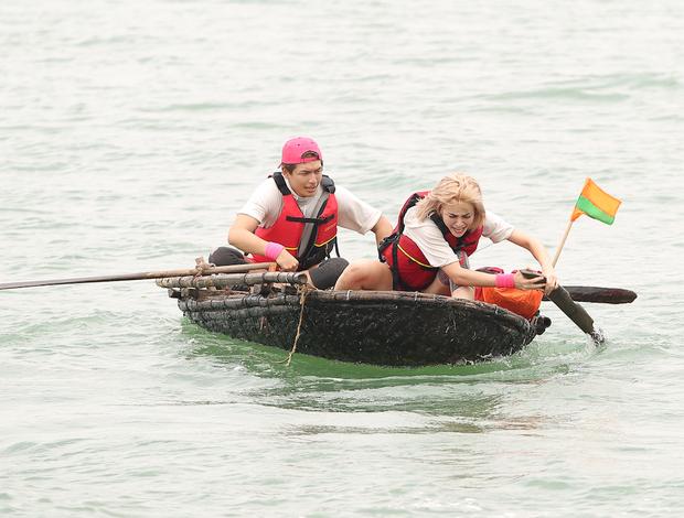 Cuộc đua kỳ thú tập 3: Hương Giang bất ngờ xuất hiện tái ngộ người cũ, đội Đỏ dừng chân - Ảnh 1.