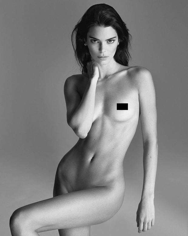"""Mỹ nhân đẹp mảnh mai phá vỡ tiêu chuẩn """"phồn thực"""" Kendall Jenner: Body như tạc, bảo sao hay nude 100% - Ảnh 1."""