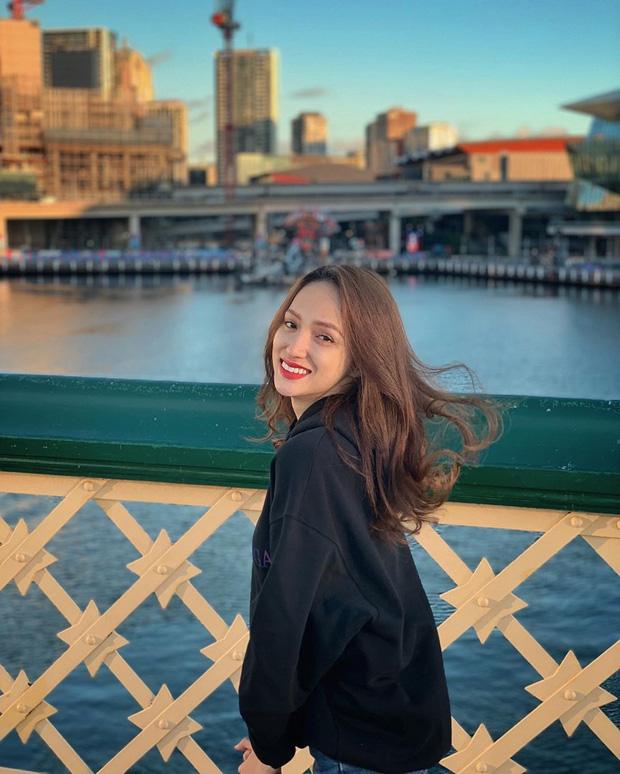"""Điểm danh 5 """"nữ thần du lịch"""" của showbiz Việt: Toàn nhan sắc cực phẩm, đi tới đâu là fan đổ ầm ầm tới đó! - Ảnh 18."""