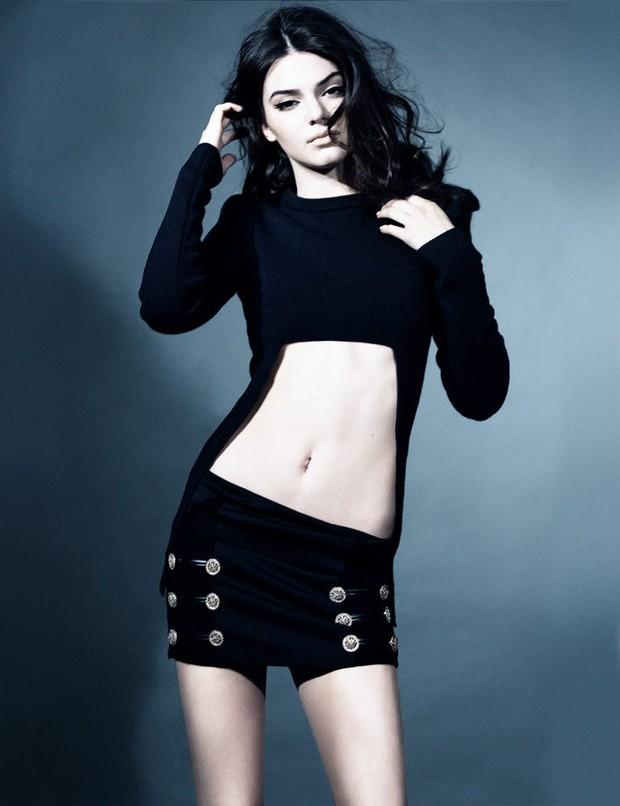 """Mỹ nhân đẹp mảnh mai phá vỡ tiêu chuẩn """"phồn thực"""" Kendall Jenner: Body như tạc, bảo sao hay nude 100% - Ảnh 9."""