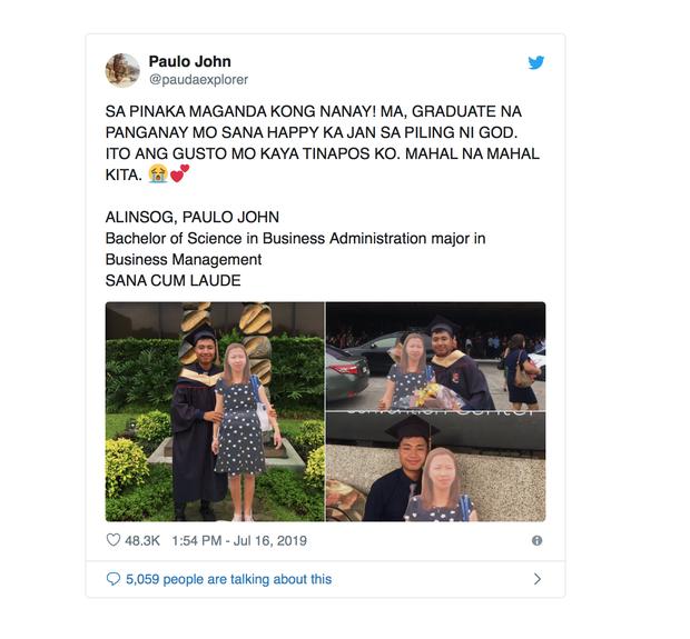 Chụp ảnh cùng standee người mẹ quá cố trong lễ tốt nghiệp, nam sinh khiến dân mạng xúc động nghẹn ngào - Ảnh 2.