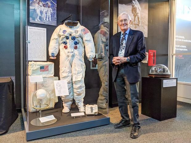 Trải nghiệm kinh hoàng: Phi hành gia Apollo suýt bỏ mạng khi thử nhảy cao trên Mặt Trăng - Ảnh 2.