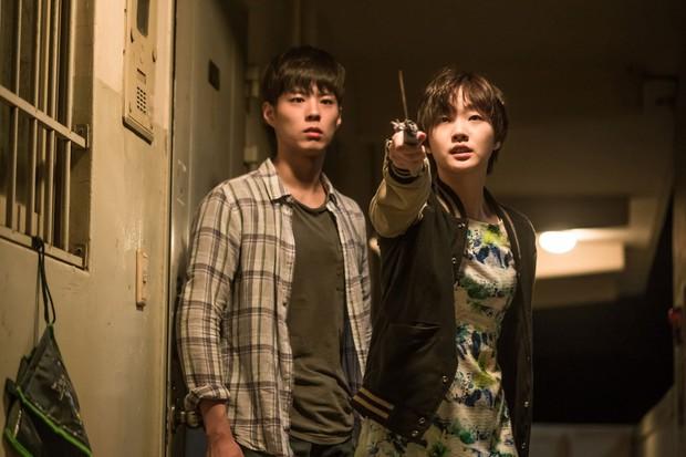 Kim Go Eun công khai thả thính mỹ nam Jung Hae In, quên luôn dàn bạn diễn cực phẩm - Ảnh 3.