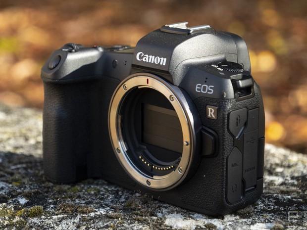 Amazon bán nhầm máy ảnh cao cấp giá chục nghìn đô với giá chỉ ... 100 USD - Ảnh 1.