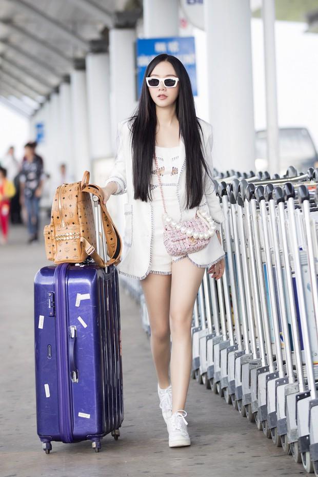 Hội bạn thân toàn mỹ nhân Vbiz tạo nên màn tái ngộ mãn nhãn tại sân bay sang Singapore, nhưng sắc vóc ai nhỉnh hơn? - Ảnh 7.