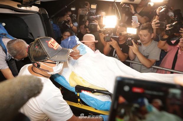Tiết lộ hình hung khí và tình trạng tâm thần hung thủ vụ tấn công Ông trùm phim sắc dục Nhậm Đạt Hoa chấn động Cbiz - Ảnh 5.